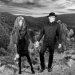 Single Review: Plume Varia – Hold On To Me